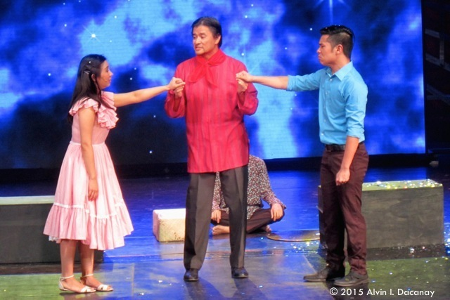 "Actors perform a scene from Dr. Onofre Pagsanghan and Dulaang Sibol's ""Sinta"" during the Seventh Gawad Buhay! ceremony."