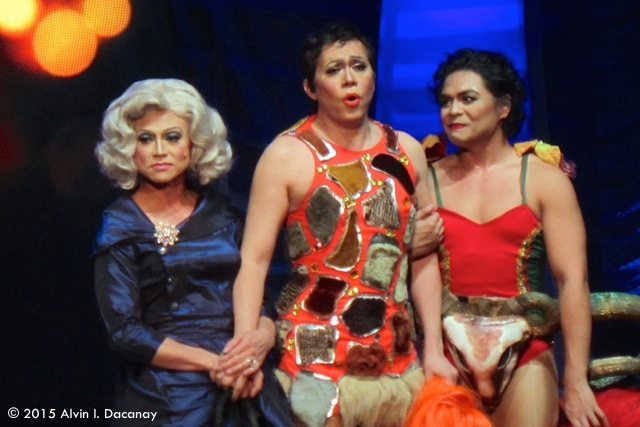 "(From left) Actors Jon Santos, Michael Williams and Red Concepcion sing Cyndi Lauper's ""True Colors,"" from ""Priscilla, Queen of the Desert,"" during the Seventh Gawad Buhay! ceremony."