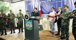 President Duterte speaks while government and military officials clap during a situational briefing at the 2nd Mechanized Infantry Brigade (MIB) headquarters in Iligan City, Lanao del Norte province on May 26, three days after clashes between soldiers and the Maute group erupted in Marawi City, Lanao del Sur province. (Photo: PCOO)