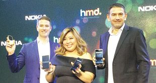 (From left) HMD Global Country Manager for the Philippines Shannon Mead, Marketing Head for the Philippines China Tanchanco, and HMD Vice President for Asia-Pacific James Rutherfoord pose with Nokia 6, Nokia 5, Nokia 3, and reimagined Nokia 3310 units during the mobile phones' launch at Aracama restaurant in Bonifacio Global City, Taguig City, on June 8, 2017. (Photo: Alvin I. Dacanay)