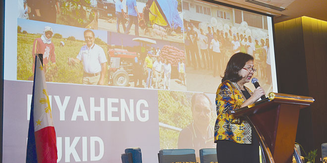 Agriculture Undersecretary Evelyn Laviña explains a shift in policies at the Department of Agriculture (DA) during the the third general assembly of the Philippine Partnership for Sustainable Agriculture.