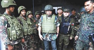 Clad in full battle gear, President Duterte (center) visits Marawi City for the third time on August 24 to boost the morale of troops from Joint Special Operations Task Force Trident. During his visit, the President said words of encouragement to the troops and again vowed that he will cover the educational expenses of their children. Accompanying the President were National Security Adviser Hermogenes Esperon Jr., Armed Forces of the Philippines Chief of Staff General Eduardo Año, and Special Assistant to the President Christopher Lawrence Go. PCOO