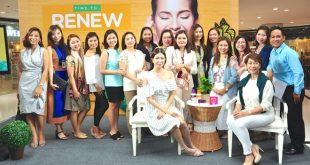 Watsons' marketing team, led by Group Marketing Manager Karen Fabres and Marketing Director Viki Encarnacion (seated left and right, respectively).