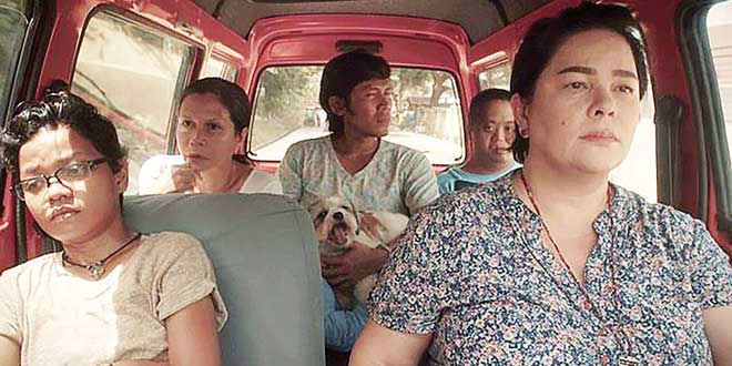 (From left) Chai Fonacier, Mailes Kanapi, Melde Montañez, Vincent Viado, and Jaclyn Jose in a scene from Patay na si Hesus. (Photo: 'Patay na si Hesus' Facebook page)